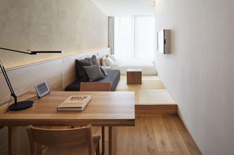 客室の1例。9タイプ、全79室。予約は同ホテルの公式サイトのみで受け付ける