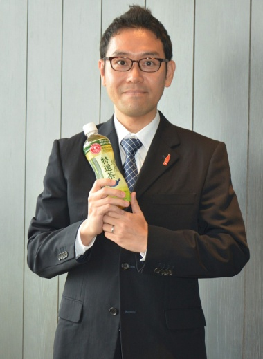 日本コカ・コーラ マーケティング本部ティーカテゴリー緑茶グループの助川公太マネージャー