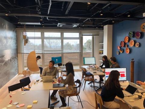 三菱地所がテナント企業向けに開設したワーケーション用オフィス「南紀白浜ワーケーションオフィス」