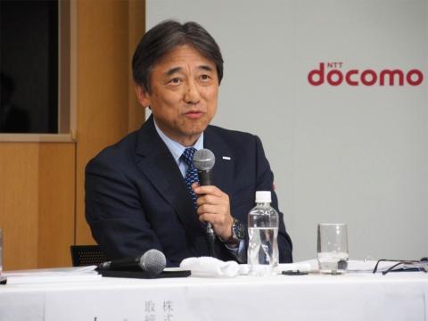 分離プラン導入で注目される端末購入に関して、吉澤氏は「検討中」と答えるにとどまり、詳細は明らかにされなかった