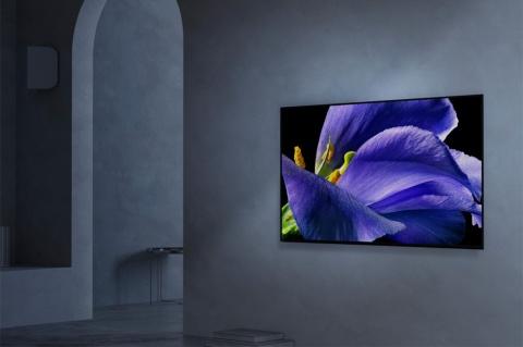 大型テレビを壁掛けで設置する人が増えている