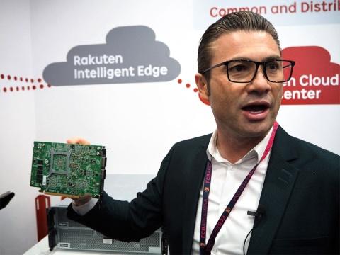 「MWC 2019 Barcelona」で楽天モバイルの仮想化ネットワークについて説明する、タレック・アミンCTO(最高技術責任者)。過去の資産がないことは、最新のネットワークをいち早く提供できるというメリットでもある