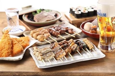 穴子料理、すし、串焼きをメインに手ごろな価格の居酒屋メニューも豊富