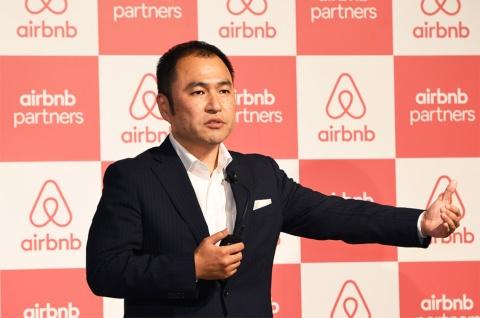 Airbnb Japan 代表取締役の田邉泰之氏。Huluの日本ビジネス立ち上げに携わった後、2013年にAirbnbのシンガポール法人に入社した。2014年から現職