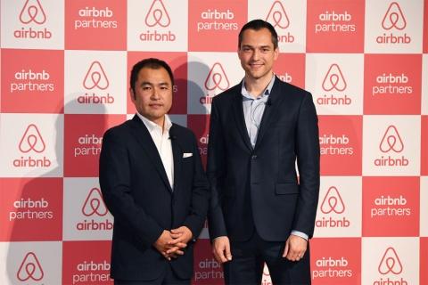 田邉泰之氏(左)とブレチャージク氏(右)