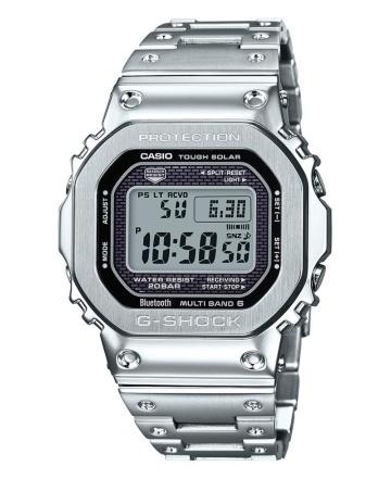 メタル素材を使った「GMW-B5000D-1FJ」(写真提供:カシオ計算機)