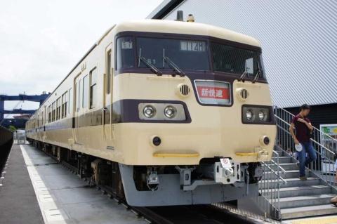 以前、屋外に置かれていた117系。名古屋地区では馴染みのある車両だが、やや地味な印象