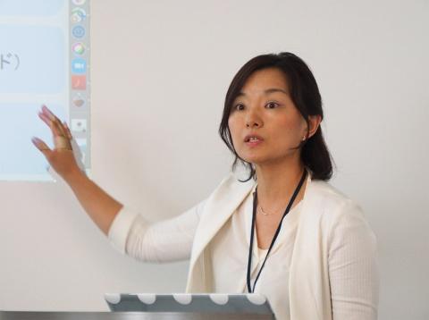 適職診断アプリケーションについて解説する日本IBMマーケティング&コミュニケーション ブランド推進・宣伝の浅里乙香氏