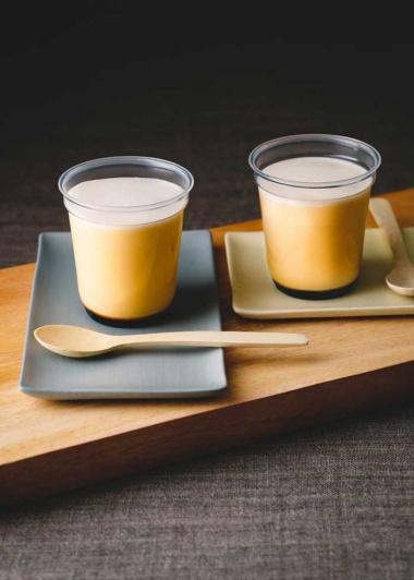 「八ヶ岳明野村契約農場 うみたて卵のプリン」。くさみがなくコクのある卵を使用し、濃厚な味わいが楽しめる
