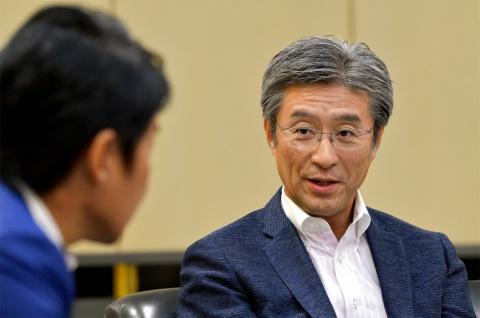 「Intel World Open」の意義について熱く語るインテルの鈴木社長
