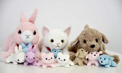「夢ペット 産んじゃったシリーズ」の猫、犬、うさぎのお母さんと子供たち。「ペット(玩具)のお産の応援ができる」という新ジャンルの未就学児用の知育玩具。良質で市場性豊かな玩具の開発促進と業界全体の活性化を目的に、日本玩具協会が主催する「日本おもちゃ大賞2019」でイノベイティブ・トイ部門を受賞した