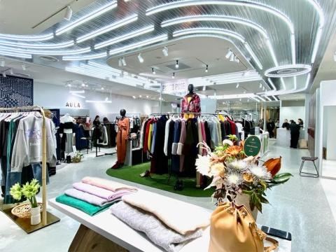 次世代のファッションデザイナーやブランドのインキュベーションを目的とした編集売り場「カイザーパルコ」。百貨店の自主編集売り場と比べ、ブランドの世界観を表現できる売り場づくりを行っている