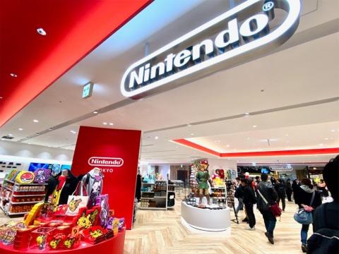 国内初となる任天堂の直営オフィシャルショップ「ニンテンドー トウキョウ」。ゲーム機本体やソフト、キャラクターグッズなどの販売はもちろん、常設の体験スペースで任天堂発売のゲームソフトを試遊できる。イベントやゲーム体験会も開催予定