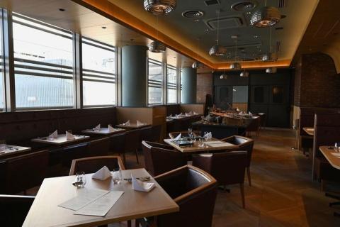 ガストロパブエリアとは別にレストランエリアがある。静かなスペースで個室も用意する