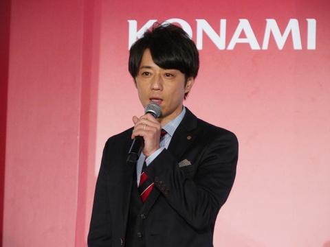BEMANI PRO LEAGUEの責任者を務めるコナミアミューズメント執行役員の西村氏。プロテストの内容やリーグにおける試合の流れなどを説明した