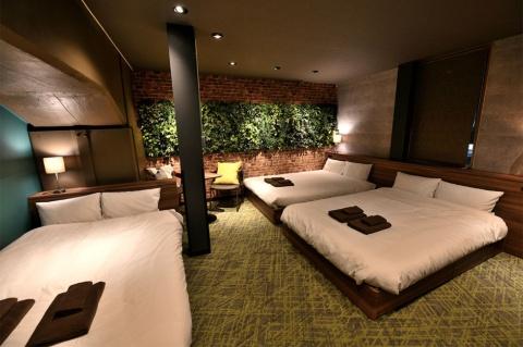 6人部屋。価格(変動性)は1人約4000円に設定。この部屋は1泊2万4000円程度