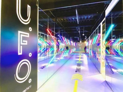 フランフランが展開するエンターテインメント型バラエティーストアの新業態「U.F.O.」。渋谷店に続く2号店。ネイキッドがディレクションしたインスタレーションも楽しめる