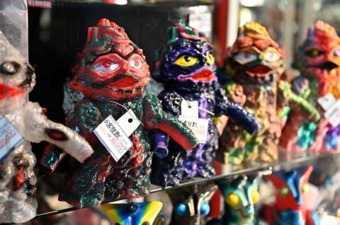 BEMON製の「公害怪獣」は8万円(税別)
