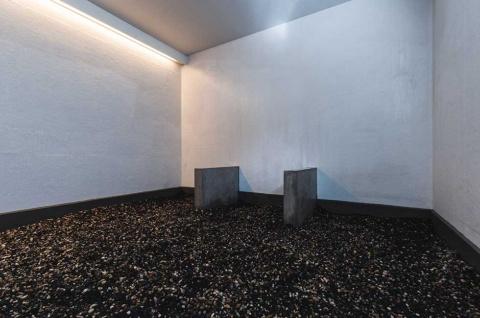 日本古来の温泉療法である「湯治」に着想を得て現代版にアップデートしたミスト温浴施設「Toji-ba haluta」もhaluta hakubaの売りの一つ。高濃度ミネラルを気化させたミストが充満し、石の上に寝て呼吸をすることでミネラルを体内に取り込む