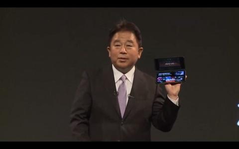 専用ケースを装着することで2画面に拡張できる韓国LG電子「LG V60 ThinQ 5G」