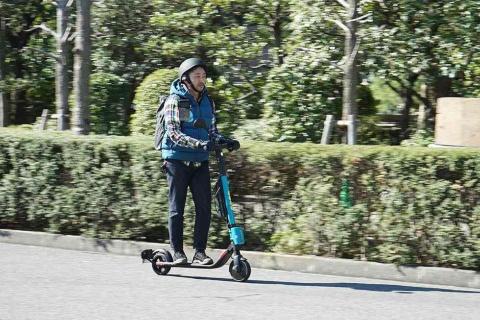 Wind Mobility Japanでレンタルした電動キックボードは、身軽で短距離の移動には便利(写真/青柳真紗美)
