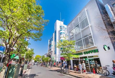 広尾駅(東京メトロ日比谷線)。「居住者からは『交通利便性』『生活利便性』『イメージ』が高く評価された」(大東建託)