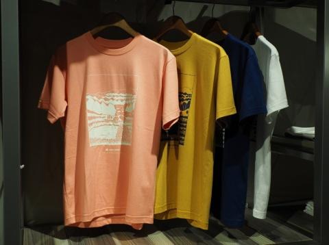 これもLAND STATION HARAJUKU限定商品であるTシャツ3900円(税別)。スノーピークのロゴの下に「LAND STATION HARAJUKU」の文字があしらわれている