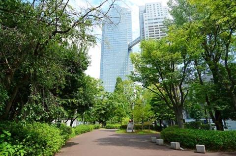 2位の「築地・新富町」のイメージ。正面の高層ビルはオフィスやホテル、商業施設などが入る「聖路加ガーデンタワー」