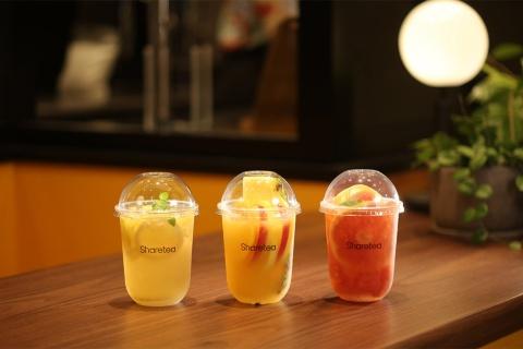 フルーツティーは3種類。左からレモンモヒーティー、フルーツティー、グレープフルーツティー。価格はレモンモヒーティーが600円、他の2種類は650円