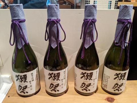 獺祭 純米大吟醸 磨き二割三分。獺祭は欧米やアジア圏などでも販売される世界的ブランドになっている