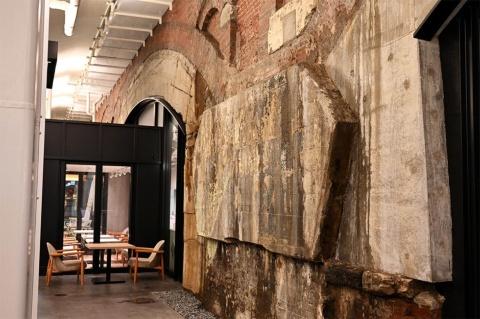 築100年を超える赤れんがの空間を生かして開発された「日比谷OKUROJI」