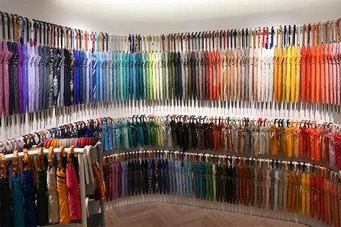傘のカスタマイズ専門店「Tokyo noble」(トウキョウノーブル)。生地、持ち手、飾り房、柄の長さを自由に選んで組み合わせられる