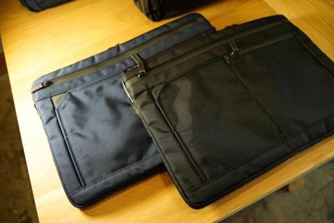 「ショルダーバッグ」(スタンダード/サコッシュが1万2000円、オフィス/PCが1万6000円~)