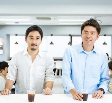 ギフティは2人代表制(左が鈴木氏、右が太田氏)