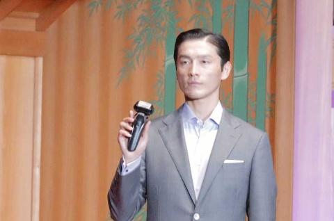 2021年4月15日に観世能楽堂(東京・中央)で行われた発表会には、モデルのDaisukeさんが登壇した