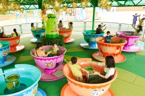 懐かしい回転ティーカップアトラクション「レオとライヤのジャングルダンスパーティー」