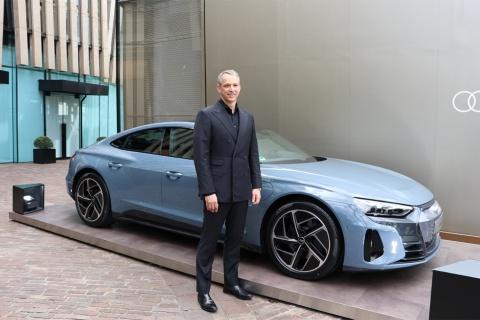21年4月6日にお披露目された「Audi e-tron GT」はドイツ本国仕様。日本仕様はこれからとなる