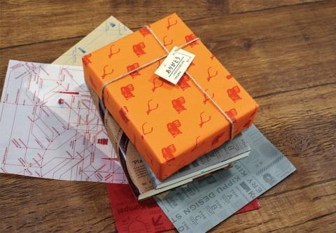 いろ色きもちきっぷをプレゼントなどのタグに使用している例