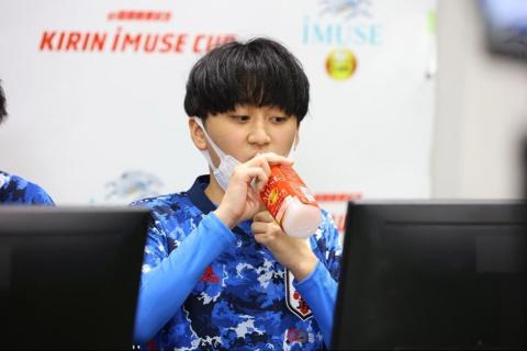 キリンビバレッジはe国際親善試合 KIRIN iMUSE CUPに特別協賛し、「キリン iMUSEレモン」「キリン iMUSE 水」「キリン iMUSE ヨーグルトテイスト」を「サッカー日本代表公式機能性表示食品」としてサッカーe日本代表に提供した