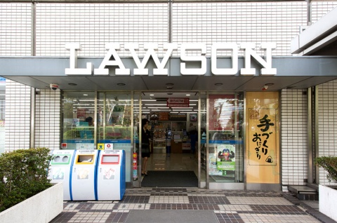 JR大崎駅直結の複合施設「大崎ニュー・シティ」内のオフィスビルに併設する店舗。利用客にはビジネスパーソンが多い