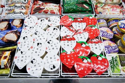 ファミマ限定「たべる牧場」シリーズは2ブースで展開。アイスクリーム全体の売り上げ1位に輝く