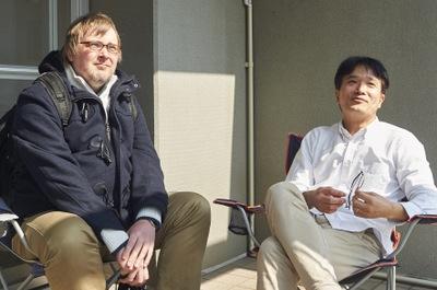 左がエンジニアのトーニュ・サミュエル氏。自宅にスーパーコンピューターを所有している