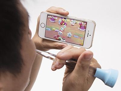 アプリ画面を見ながら歯を磨くと、加速度センサーが磨き具合を認識する