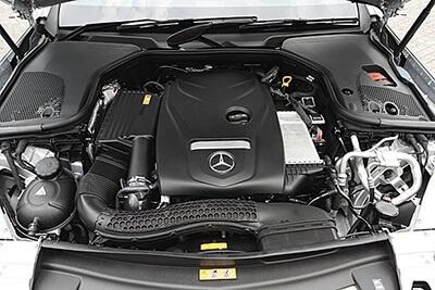 エンジンは約2000ccにまでダウンサイジング。ターボ付きなので十分なパワーを感じられた