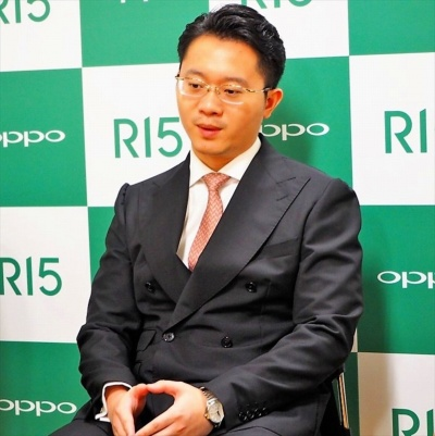 オッポ ジャパンの鄧宇辰社長は、FeliCaの搭載について「日本市場に本気で取り組む証し」だと話している。写真は8月22日のオッポ ジャパン新製品記者発表会より