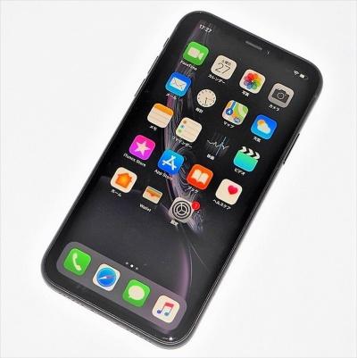 2018年秋に発表されたiPhone3機種の中では最も遅い発売となった「iPhone XR」