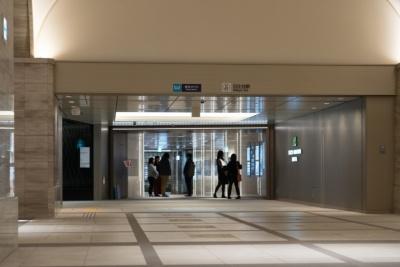 地下1階の日比谷アーケードは地下鉄に直結しているほか、日比谷シャンテの地下2階にも直結。災害時には帰宅困難者の一時退避場所としても利用できるという