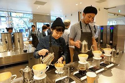 人気コーヒーショップ「ブルーボトルコーヒー(Blue Bottle Coffee)」が国内3店舗目を出店(1階)