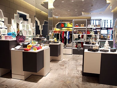 3階の自主編集売り場「ノーファッション・ノーライフ セレクト」には香港や韓国の新鋭デザイナーブランドも日本初上陸