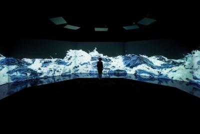 「Black Waves」の完成イメージ図。葛飾北斎の「富嶽三十六景 神奈川沖浪裏」がそのまま動き出したように見える作品だった